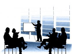 ludzie na spotkaniu biznesowym
