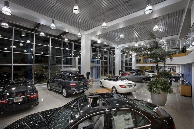 salon samochodowy