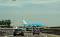 przed lotniskiem